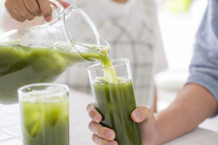 緑汁はミドリムシ、青汁は野菜